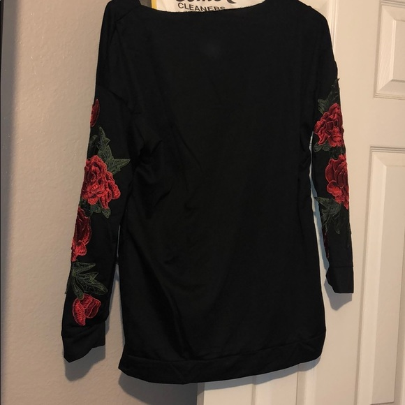Tops - Rose embroidered sleeve sweatshirt